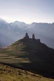 Chiesa di trinità di Gergeti Fotografia Stock Libera da Diritti