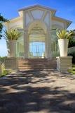 Chiesa di vetro di cerimonia nuziale Immagine Stock Libera da Diritti