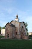 Chiesa distrutta in Velikiy Novgorod Fotografia Stock