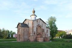 Chiesa distrutta in Velikiy Novgorod Fotografie Stock Libere da Diritti