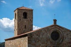 Chiesa e campanile antichi Fotografie Stock Libere da Diritti