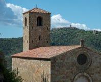 Chiesa e campanile antichi Fotografia Stock