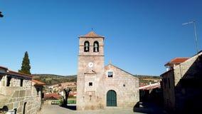Chiesa e campanile portoghesi a partire dal XVII secolo archivi video