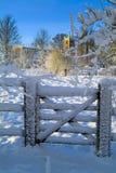 Chiesa e cancello antichi Fotografia Stock