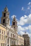 Chiesa e cielo Fotografie Stock Libere da Diritti