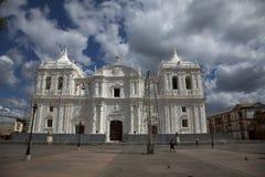 Chiesa e cielo Immagine Stock