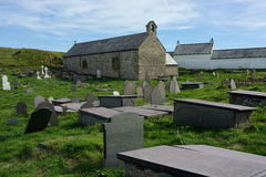 Chiesa e cimitero Immagini Stock Libere da Diritti