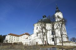 Chiesa e monastero di pellegrinaggio in Krtiny, repubblica Ceca Fotografia Stock Libera da Diritti