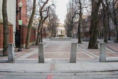 Chiesa e Paul Revere Statue del nord anziani Fotografia Stock Libera da Diritti