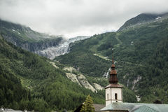 Chiesa e più vetroso Fotografia Stock