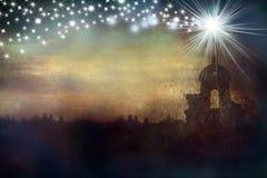 Chiesa e stella della cartolina d'auguri di Natale Immagine Stock
