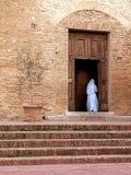 Chiesa e suora Fotografie Stock Libere da Diritti