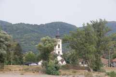 Chiesa ed alberi Fotografie Stock