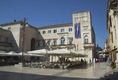 Chiesa, forum e cattedrale della st Donat del campanile della st Anastasia in Zadar, Croazia Immagine Stock