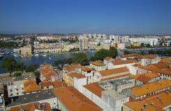 Chiesa, forum e cattedrale della st Donat del campanile della st Anastasia in Zadar, Croazia Fotografia Stock