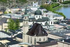 Chiesa francescana nella città di Salisburgo immagine stock