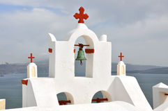 Chiesa greca classica sull'isola greca Santorini Immagini Stock