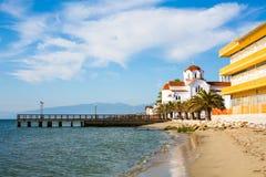 Chiesa greco ortodossa in spiaggia di Paralia Katerini, Grecia Immagini Stock