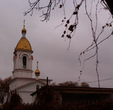 Chiesa, mattina nuvolosa Fotografia Stock