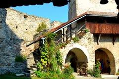 Chiesa medievale fortificata del sassone in Calnic, la Transilvania Fotografie Stock Libere da Diritti