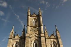 Chiesa in monumento religioso gotico dell'Irlanda Facciata esteriore Immagini Stock Libere da Diritti