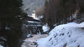 Chiesa nel hinterglemm di Saalbach stock footage