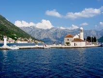 Chiesa nella baia Montenegro di kotor del perast Immagine Stock
