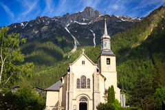 Chiesa nella città di Chamonix-Mont-Blanc, Francia Fotografia Stock Libera da Diritti