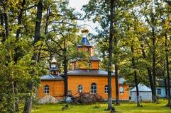 Chiesa nella foresta Immagini Stock Libere da Diritti