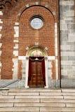 chiesa nella vecchia torre chiusa del mattone del samarate Fotografia Stock Libera da Diritti