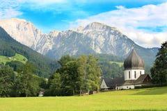 Chiesa nelle alpi Immagine Stock
