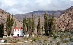 Chiesa nelle montagne Fotografia Stock