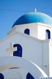 Chiesa ortodossa blu e bianca splendida Fotografia Stock