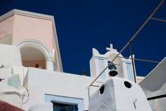 Chiesa ortodossa contro un cielo blu fotografie stock libere da diritti