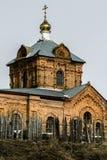 Chiesa ortodossa della resurrezione nel villaggio del distretto di Kremen Medynsky della regione di Kaluga (Russia) Immagini Stock