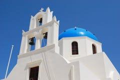 Chiesa ortodossa nella città di Pyrgos Santorini fotografia stock libera da diritti