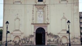 Chiesa ortodossa, porta di entrata video d archivio