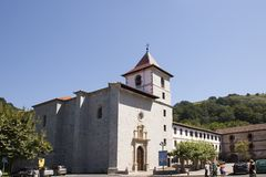 Chiesa in paese Basque Fotografia Stock