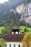 Chiesa rossa dell'orologio immagini stock libere da diritti