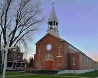 Chiesa rurale al tramonto Fotografia Stock Libera da Diritti