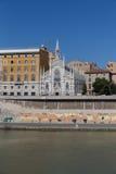 Chiesa Sacro Cuore del Suffragio ed altre costruzioni lungo la R Fotografia Stock