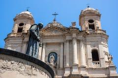 Chiesa Santo Francesco di Catania e statua di Cardinale Dusmet Immagini Stock Libere da Diritti