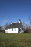 Chiesa semplice in un villaggio Immagini Stock Libere da Diritti