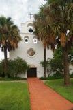 Chiesa spagnola di stile di missione Fotografie Stock Libere da Diritti