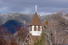 Chiesa storica, albero per bandiera, AZ fotografia stock