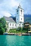 Chiesa sul lago Fotografie Stock Libere da Diritti