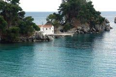 Chiesa sull'isola in Parga Immagine Stock Libera da Diritti