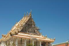 Chiesa tailandese bianca in costruzione in Tailandia Fotografia Stock
