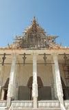Chiesa tailandese bianca in Tailandia Immagine Stock