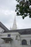 Chiesa tradizionale della città fotografia stock libera da diritti